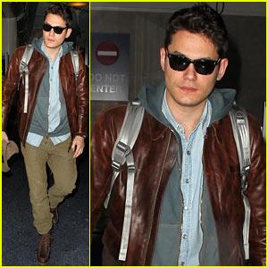 John Mayer Lands in Los Angeles