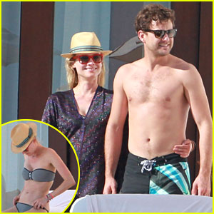 Joshua Jackson: Shirtless Poolside with Diane Kruger!
