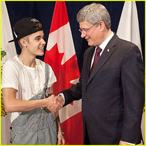 Justin Bieber Defends Wearing Overalls to Meet Prime Minister