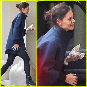 Katie Holmes Brings Lovely Naturalness, Raves 'THR'