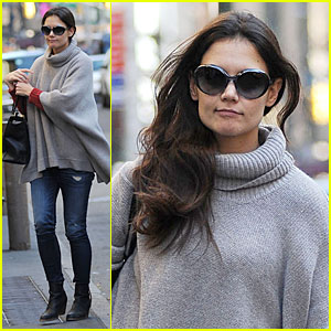 Katie Holmes Lets Her Hair Down for 'Dead Accounts'!