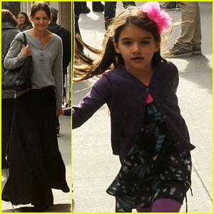 Katie Holmes & Suri: Sunday Strollers!