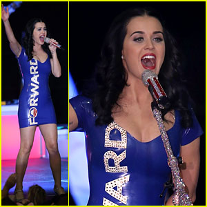 Katy Perry: Obama Rally in Milwaukee!