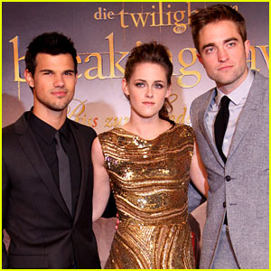 Kristen Stewart &#038; Robert Pattinson: 'Breaking Dawn' Berlin Premiere!