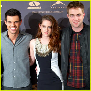 Kristen Stewart & Robert Pattinson: 'Twilight Breaking Dawn - Part 2' Madrid Photo Call!