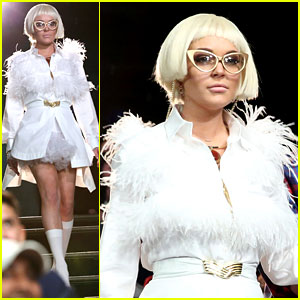 Lindsay Lohan: Blonde Wig for Fallon's 'Play With Your Look'!