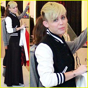 Miley Cyrus: 'VH1 Divas' Concert Performer!