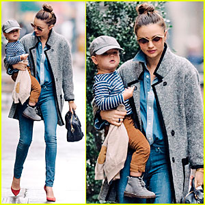Miranda Kerr Reveals Diet & Workout Plan