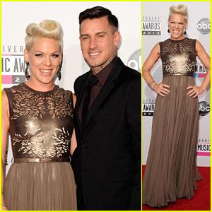 Pink & Carey Hart - AMAs 2012 Red Carpet