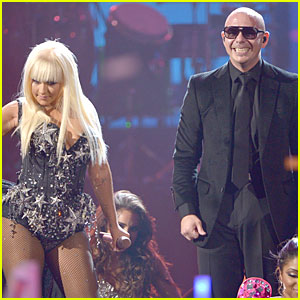 Pitbull & Christina Aguilera's AMAs Performance - Watch Now!