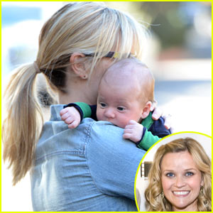 Reese Witherspoon Debuts Baby Tennessee - First Pic!
