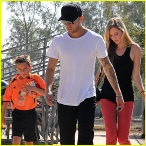Ryan Phillippe: Deacon's Soccer Game with Paulina Slagter!