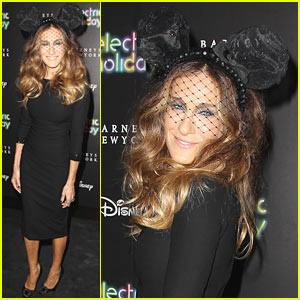 Sarah Jessica Parker: Disney Electric Holiday Window Unveiling!