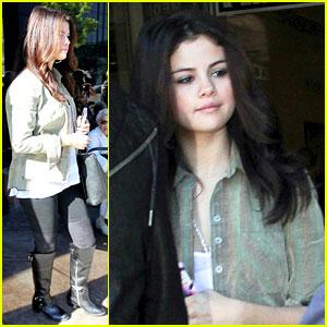 Selena Gomez Visits ER After Justin Bieber AMAs Date