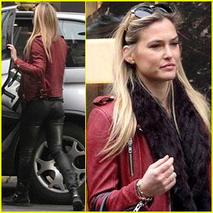 Bar Refaeli: Pirelli Store Shopper!