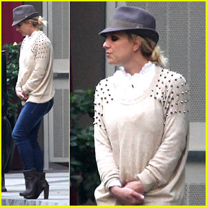 Britney Spears: Pre 'X Factor' Lunch in West Hollywood!