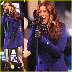 Cassadee Pope: 'New Year's Eve 2013 With Carson Daly' Performer!