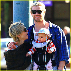 Chris Hemsworth & Elsa Pataky: Palm Springs Stroll
