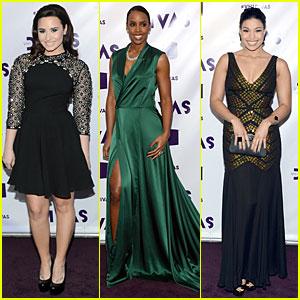 Demi Lovato & Jordin Sparks - VH1 Divas 2012 Red Carpet!