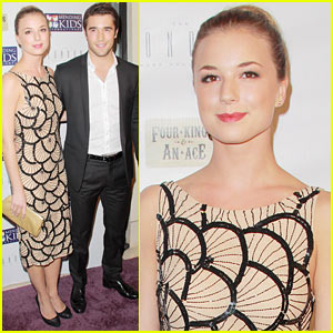 Emily VanCamp & Josh Bowman: Mending Kids Poker Match!