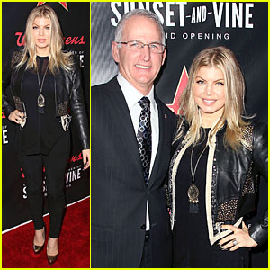 Fergie: Walgreens Flagship Store Opening in Hollywood!