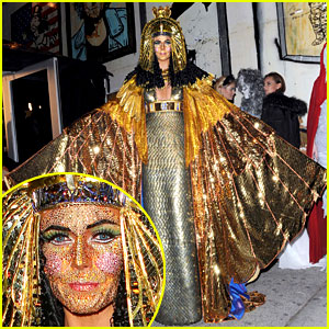 Heidi Klum: Bedazzled Cleopatra at Haunted Holiday Party!