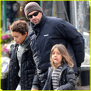 Hugh Jackman: Christmas Tree Shopping with the Kids!