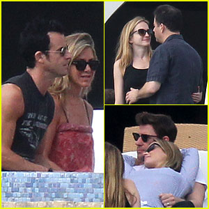 Jennifer Aniston: Cabo with Emily Blunt & John Krasinski!