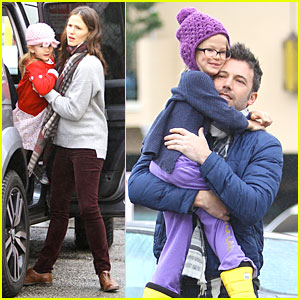 Jennifer Garner & Ben Affleck: Holiday Shopping with the Girls!