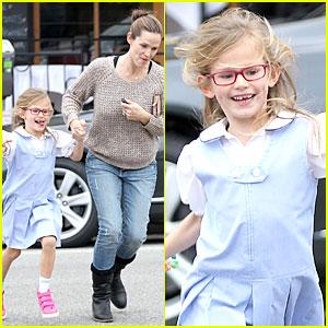 Photo of Jennifer Garner & her Daughter  Violet Affleck