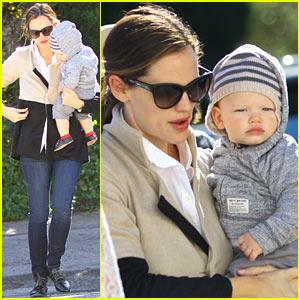Jennifer Garner: Shopping with Samuel!