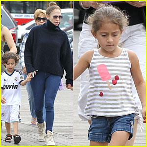 Jennifer Lopez: Yacht Cruise with Emme & Max!