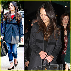 Jordana Brewster: Holiday Shopping at Barneys New York!