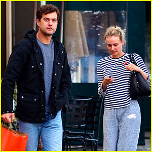 Joshua Jackson & Diane Kruger: Rainy Day Errands!