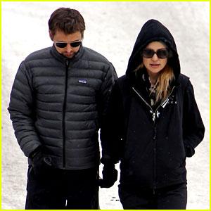 Kate Hudson & Matt Bellamy: Snowy Aspen Stroll!