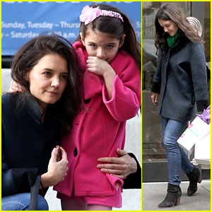Katie Holmes: Birthday Breakfast with Suri!