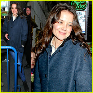 Katie Holmes: 'Dead Accounts' Performance After Christmas
