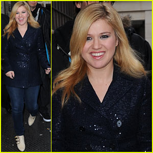 Kelly Clarkson: Four Grammy Nominations!