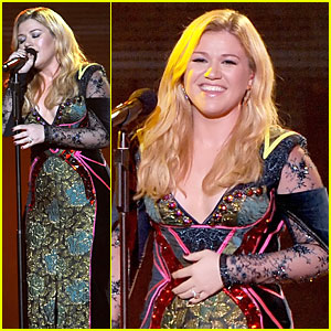 Newly Engaged Kelly Clarkson: VH1 Divas Performance - Watch Now!