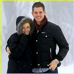 Michael Buble & Luisana Lopilato: Snowy Sweethearts!
