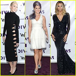 Miley Cyrus & Kelly Osbourne - VH1 Divas 2012 Red Carpet!