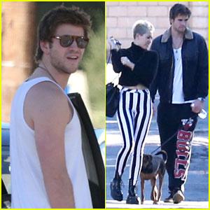 Miley Cyrus & Liam Hemsworth: Post-Xmas Family Gathering!