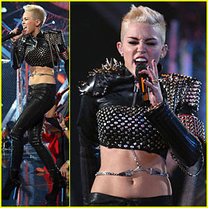 Miley Cyrus: VH1 Divas Performance - Watch Now!