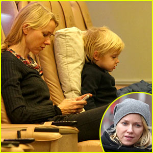 Naomi Watts & Samuel: Mother-Son Pedicures!