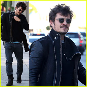 Orlando Bloom: Beverly Hills Bike Repairs!