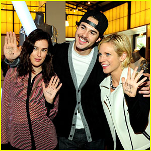 Rumer Willis: Love is Louder Supporter!