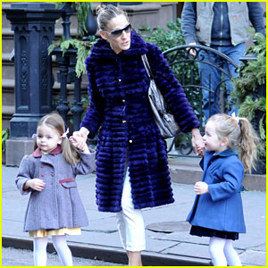 Sarah Jessica Parker: Wednesday Walk with the Twins!