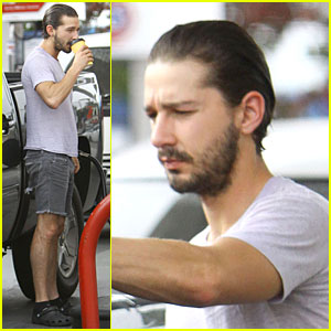 Shia LaBeouf Clogs Gas Station in Los Angeles!