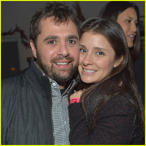 Shiri Appleby: Pregnant with First Child!
