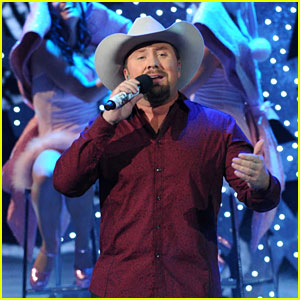 Tate Stevens: 'Please Come Home for Christmas' on 'X Factor'